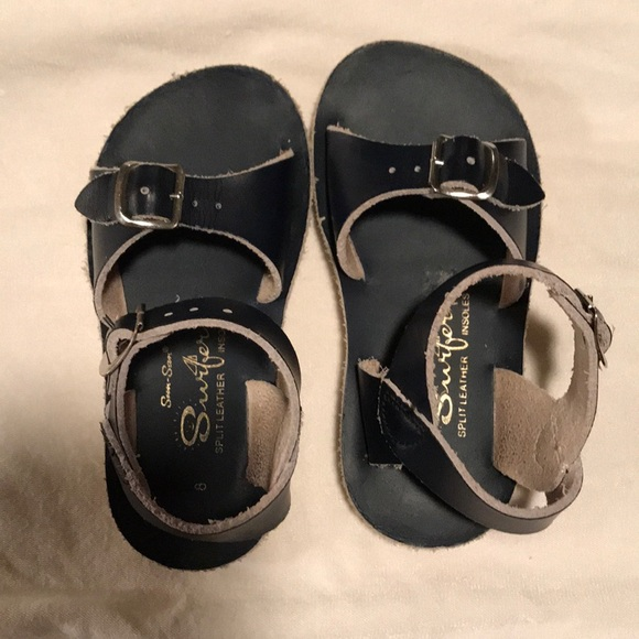 070e0e8a0 M 5acec5215512fdaba175406b. Other Shoes you may like. Saltwater Sandals  Girls Toddler Gold ...